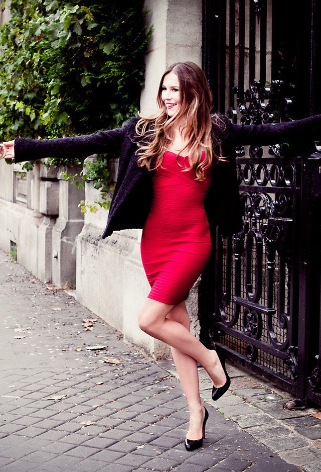 Gorgeous-Red-Dress-Outfit-for-Valentines-Day